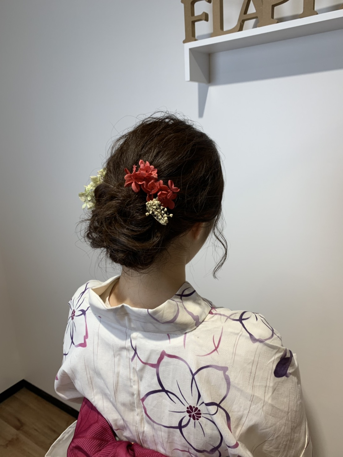 S  31023109 - Hair Gallery