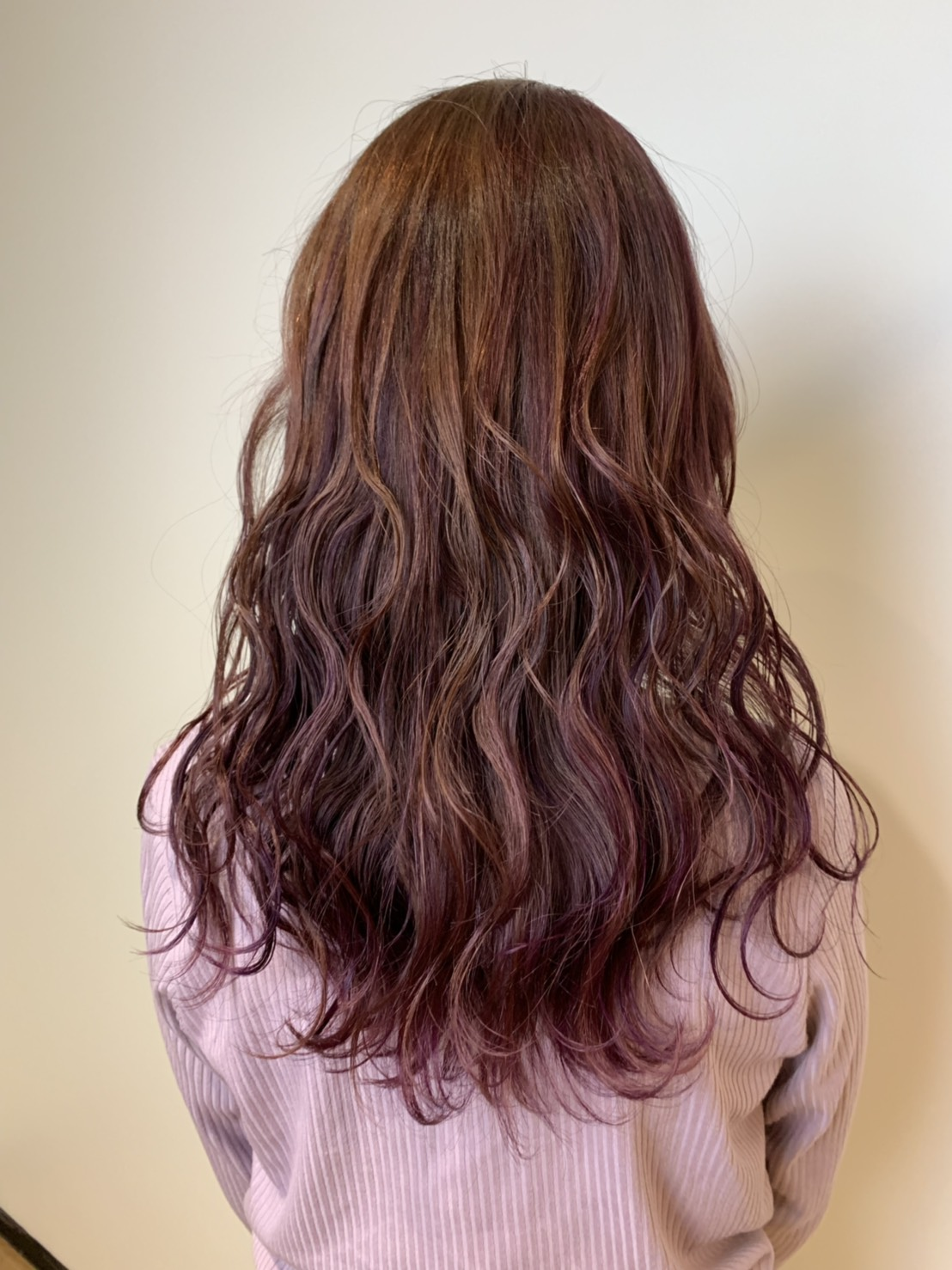 S  31023120 - Hair Gallery