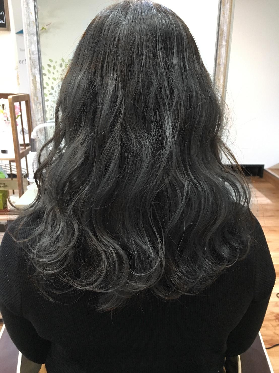 S  31023126 - Hair Gallery